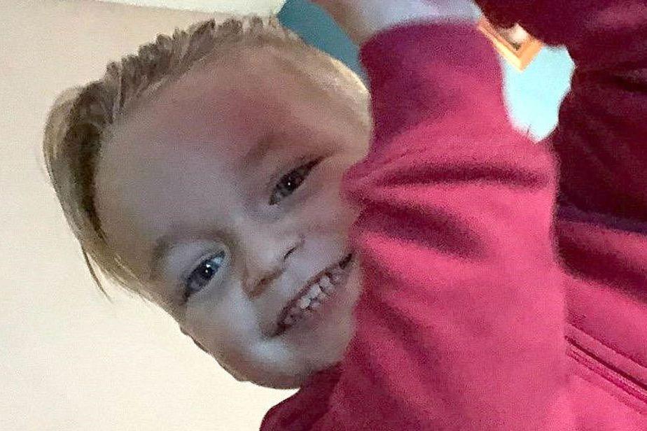"""Esmaga menino de três anos até à morte por ser """"barulhento"""""""