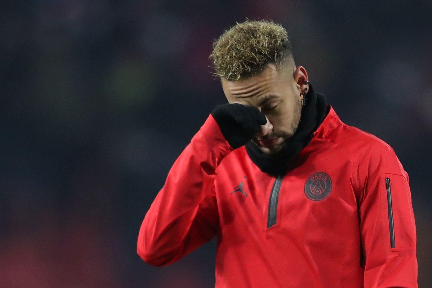 UEFA abre processo disciplinar a Neymar por críticas à arbitragem