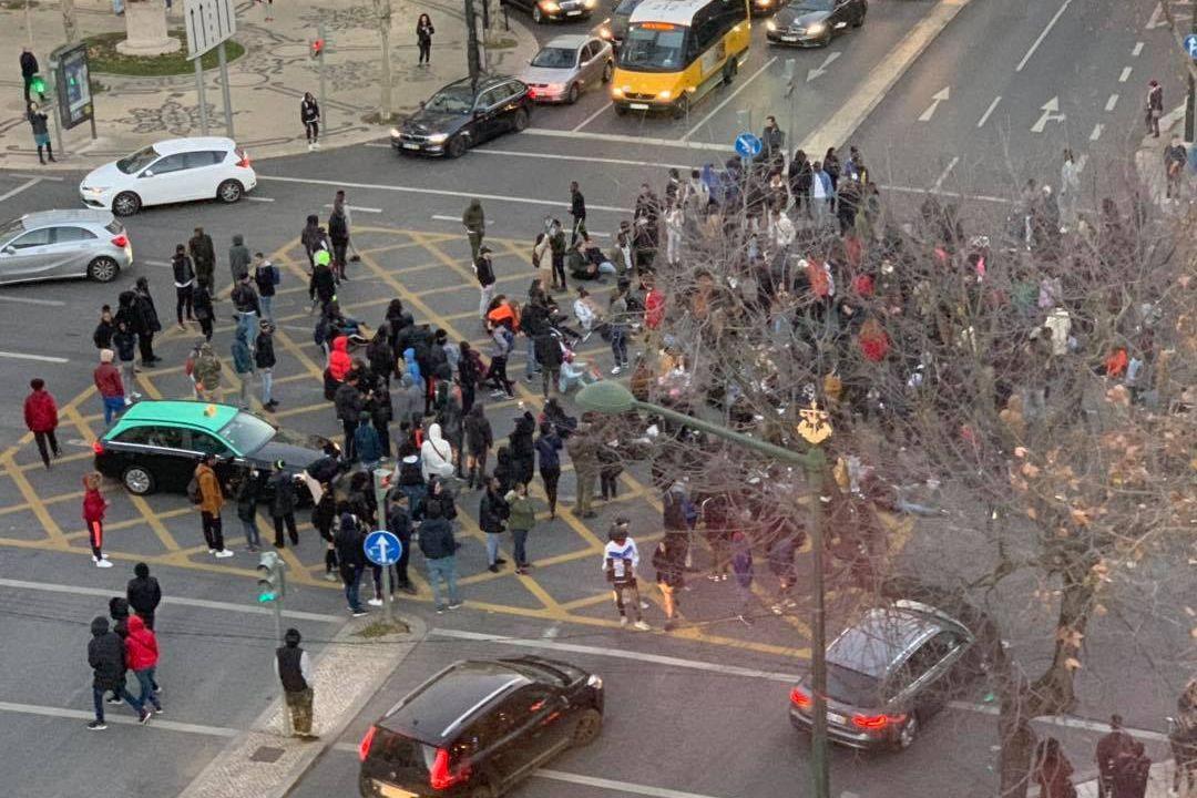 Sindicato pede esclarecimentos a Cabrita sobre apedrejamento de polícias