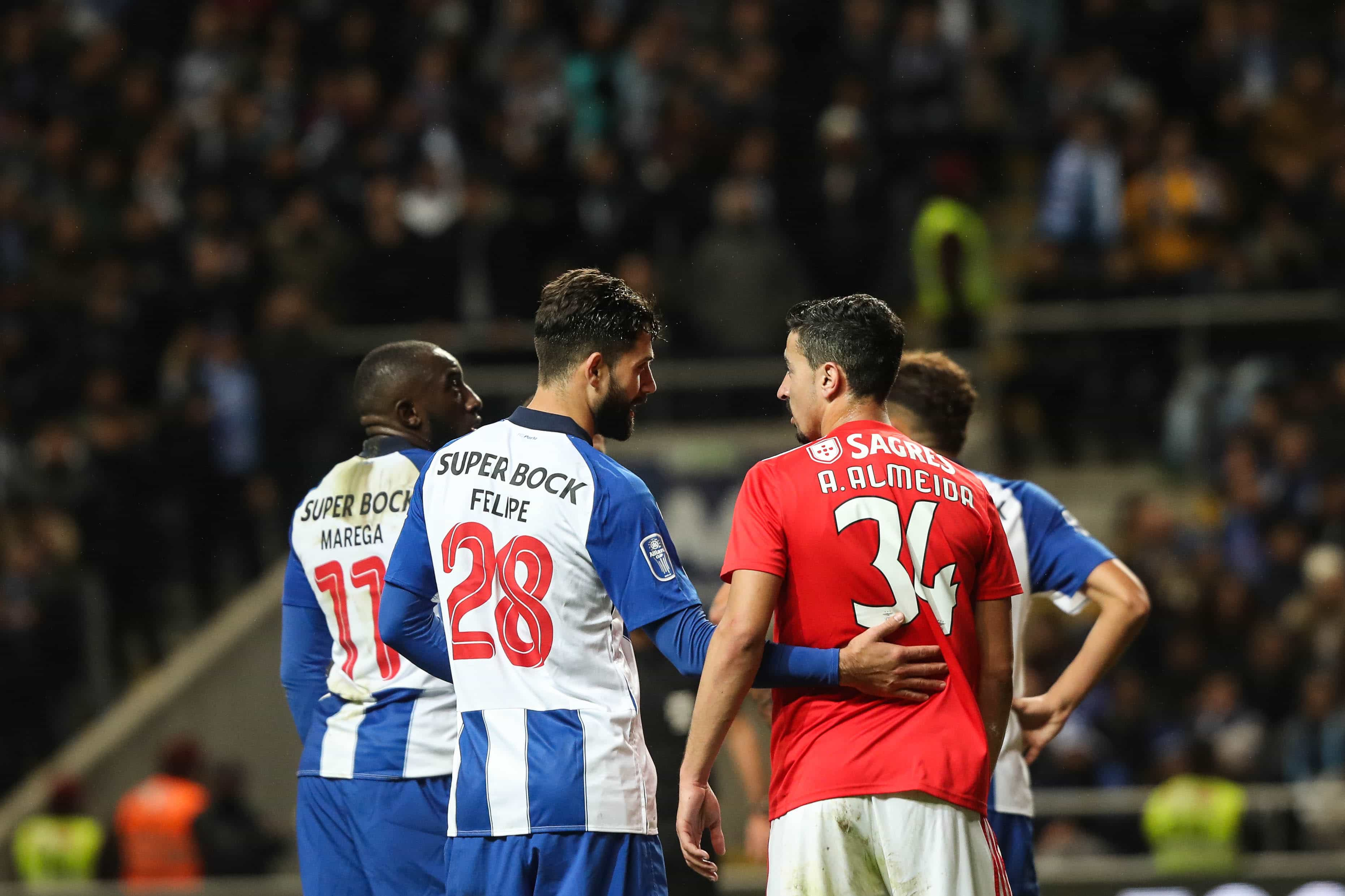 """Benfica arrasa FC Porto e promete denunciar """"mentiras, ameaças e coações"""""""