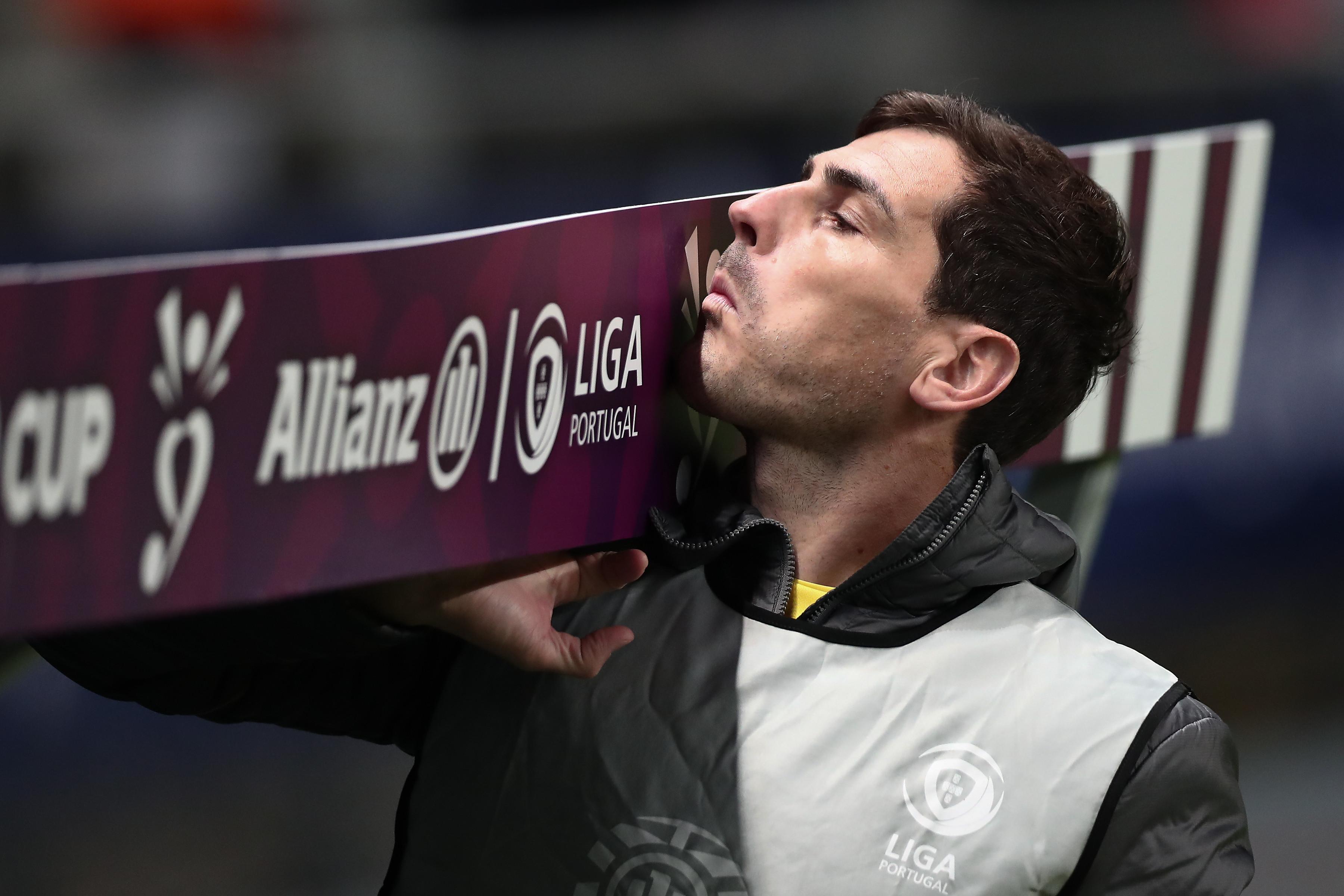Finais não rimam com banco de suplentes. A maldição de Iker Casillas