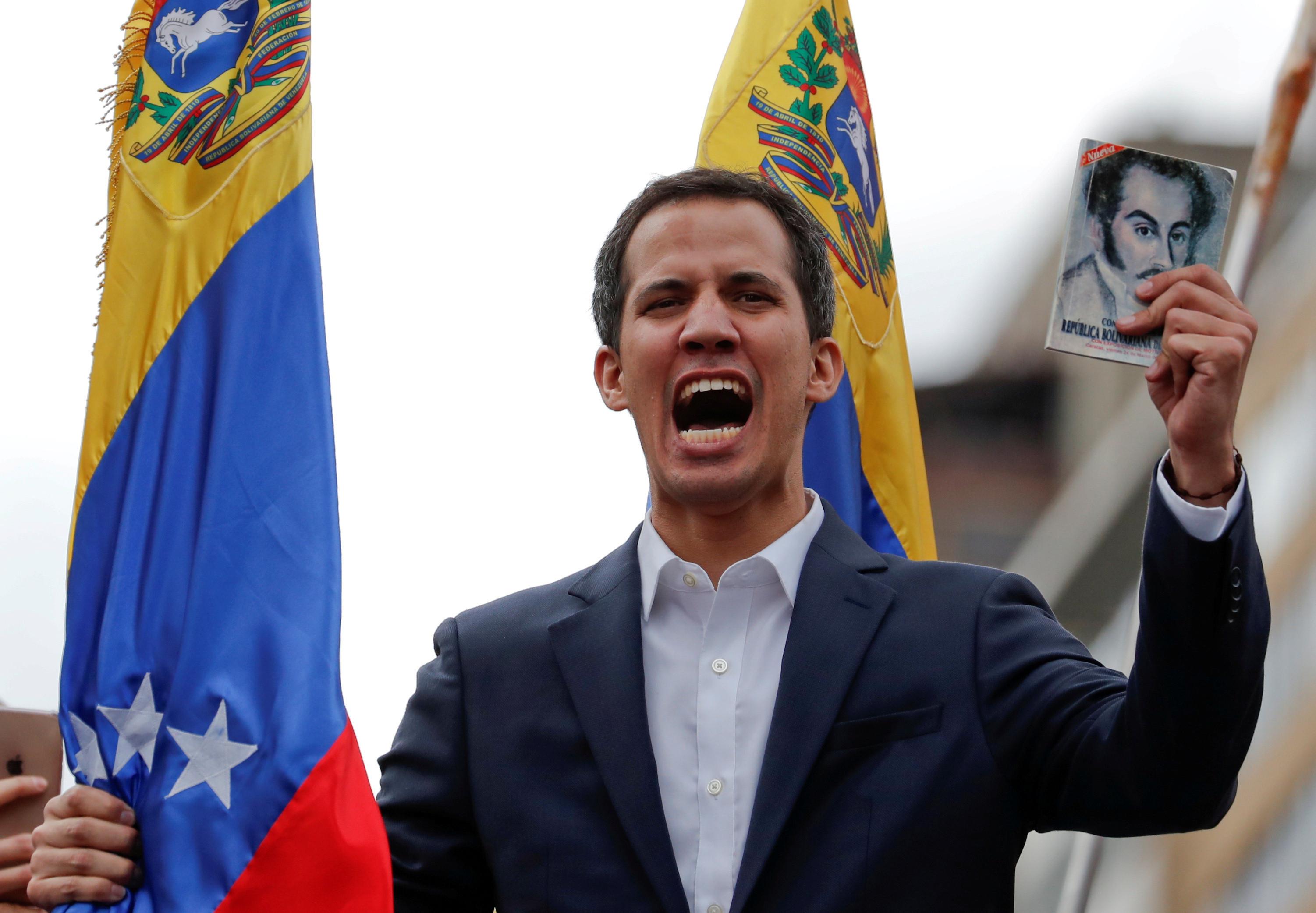 """Juan Guaidó convoca """"grande mobilização"""" para 1 de maio"""