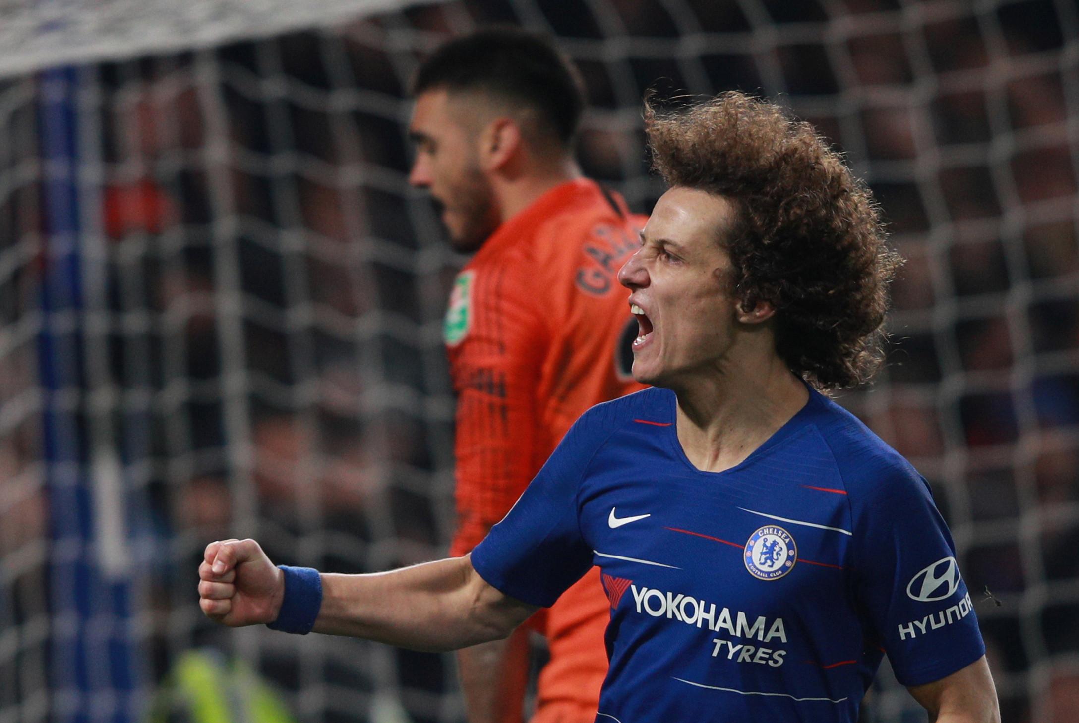 Dier falha penálti e Chelsea garante lugar na final da Taça da Liga