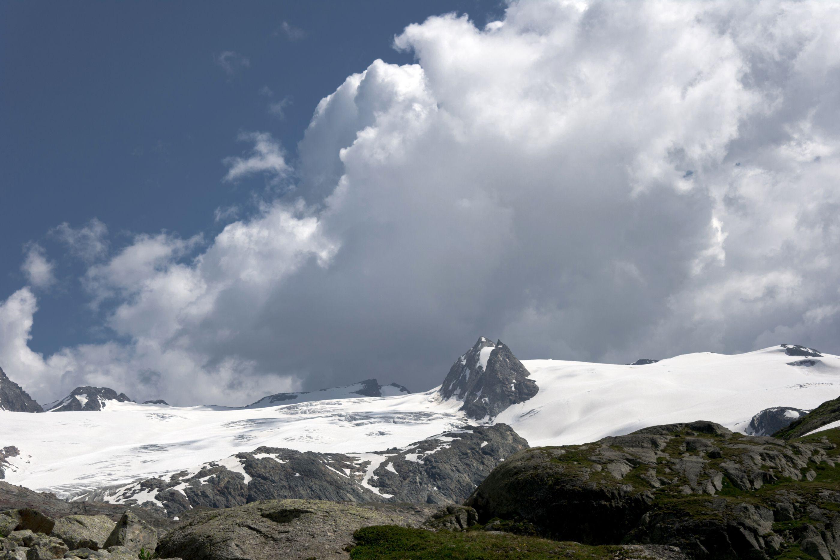 Embate entre duas pessoas nos Alpes faz uma vítima mortal