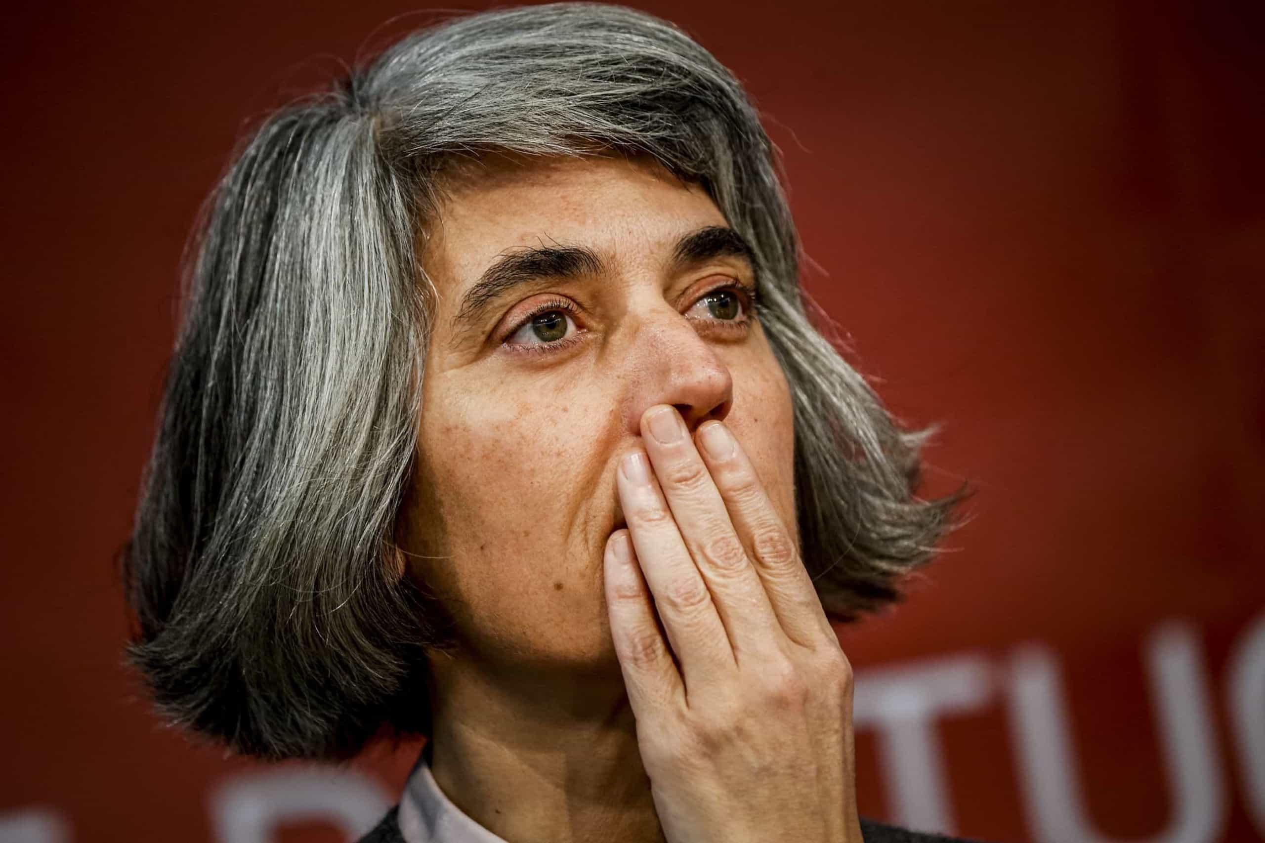 """""""Um momento terrível para França e para o mundo"""", diz ministra"""