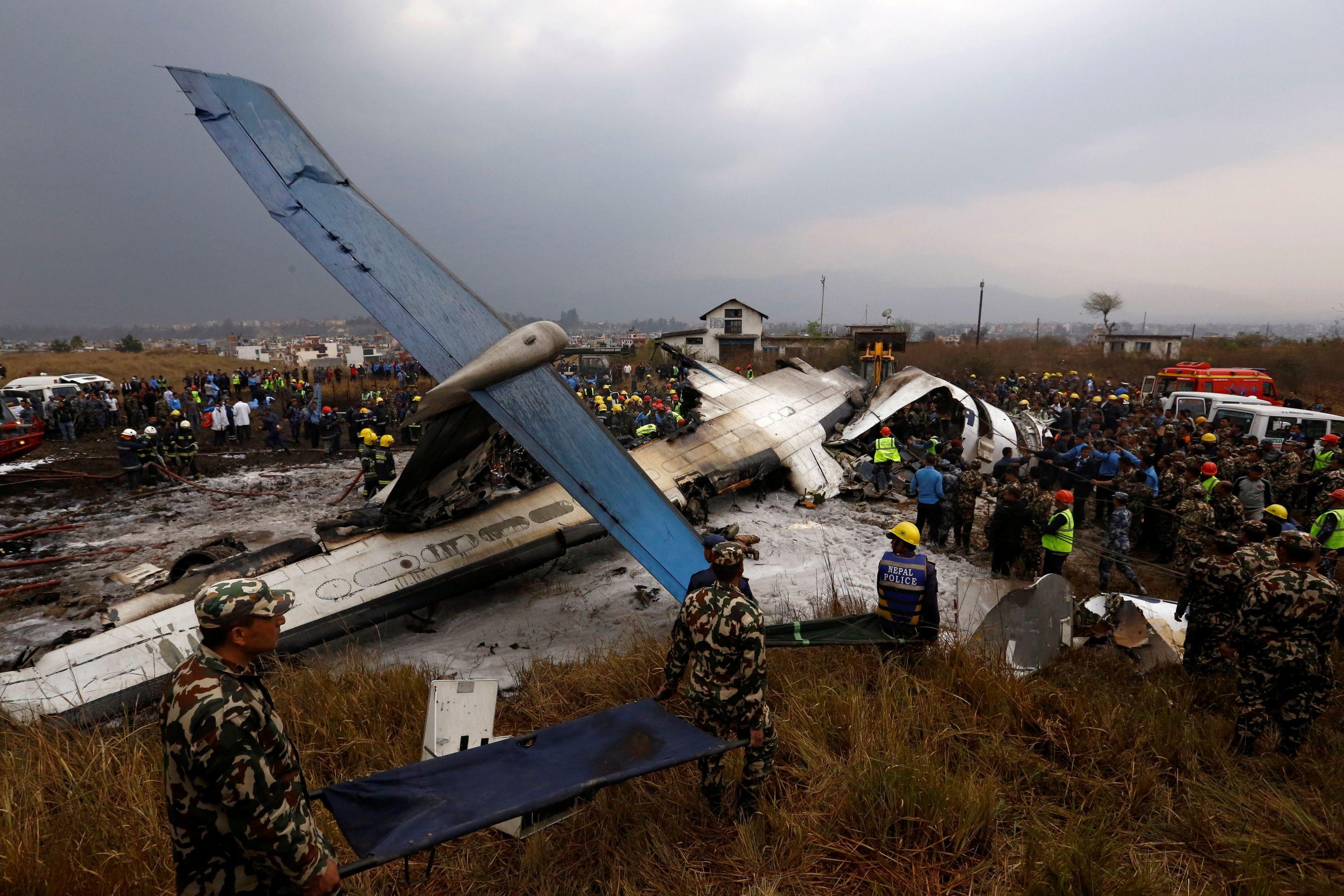 Antes de queda, piloto de avião que caiu no Nepal terá tido esgotamento