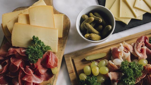 Foundue e Raclette no novo menu de inverno do Olivier Avenida
