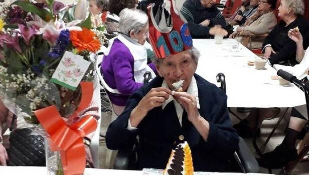 """María Luisa tem 106 anos. O segredo para viver tanto? """"Nunca ter casado"""""""