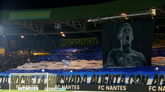 Estádio do Nantes 'chorou' em uníssono:  A arrepiante homenagem a Sala