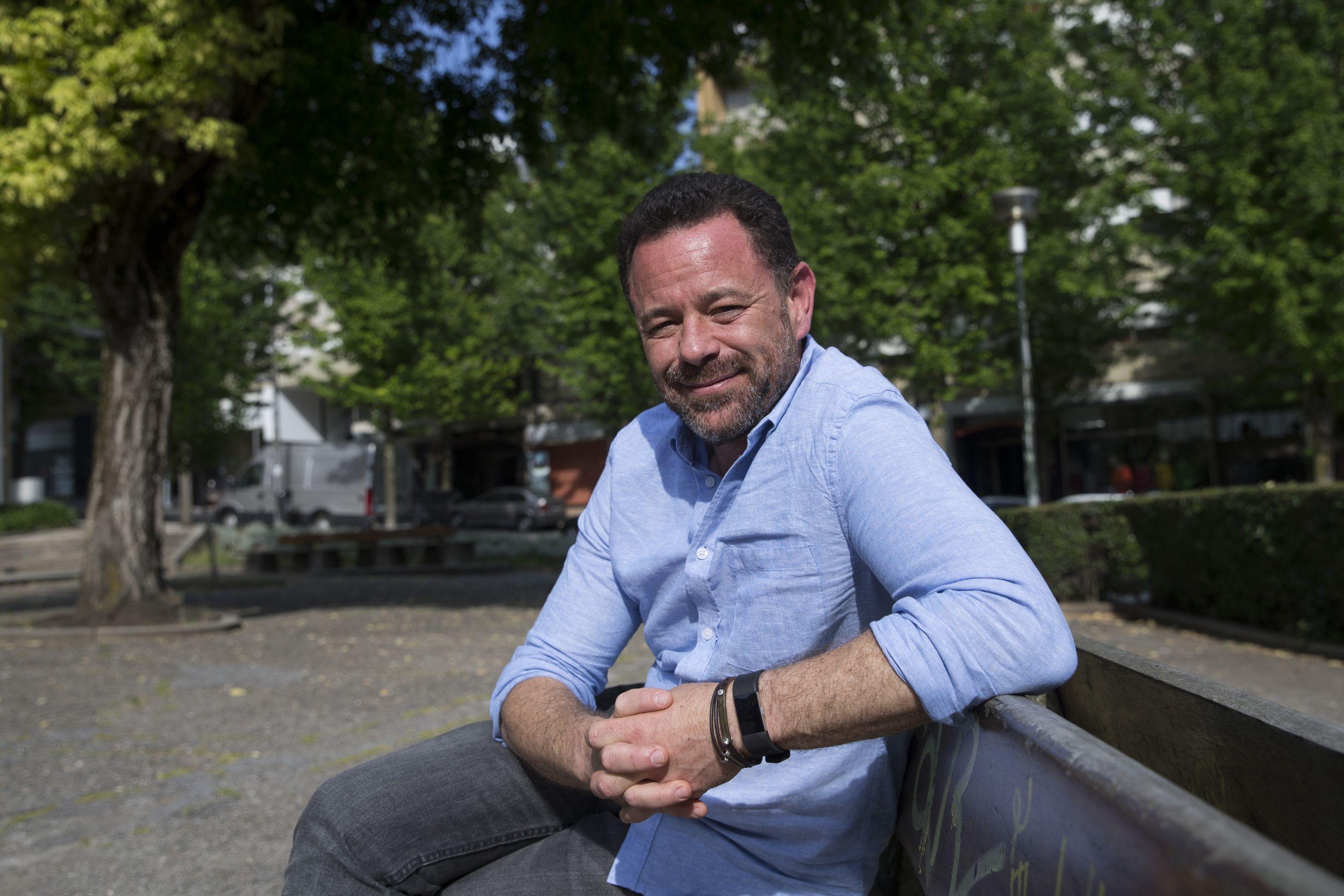 Joel Neto leva turistas aos locais que integram os seus romances
