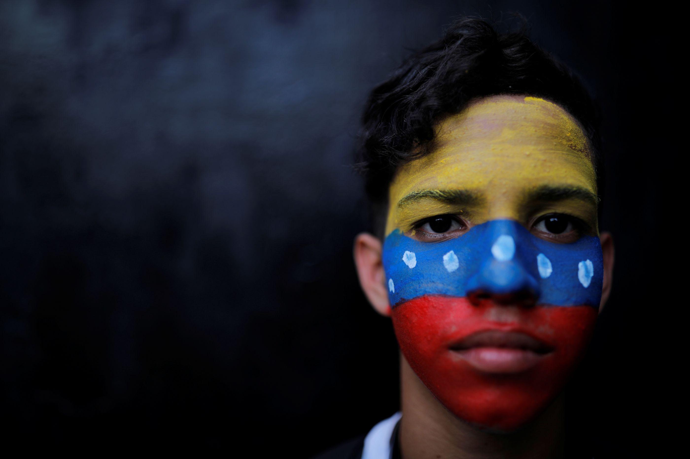 O povo saiu à rua e pediu uma solução. Que futuro para a Venezuela?