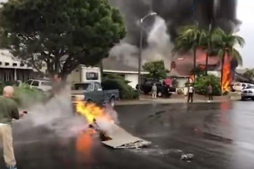 Cinco pessoas morreram depois de avioneta colidir com casa na Califórnia