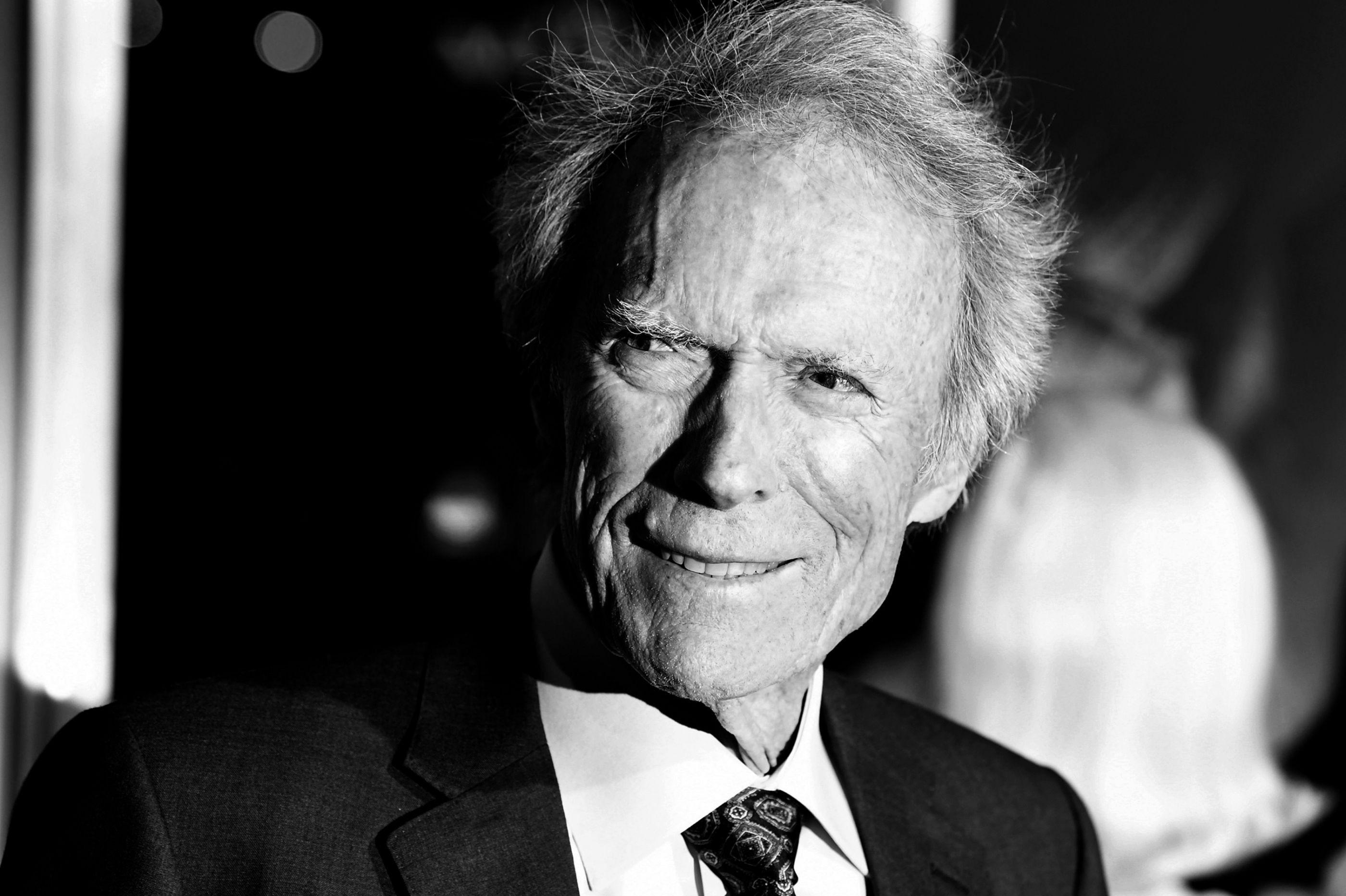 Clint Eastwood voltou para 'roubar' a liderança do box-office