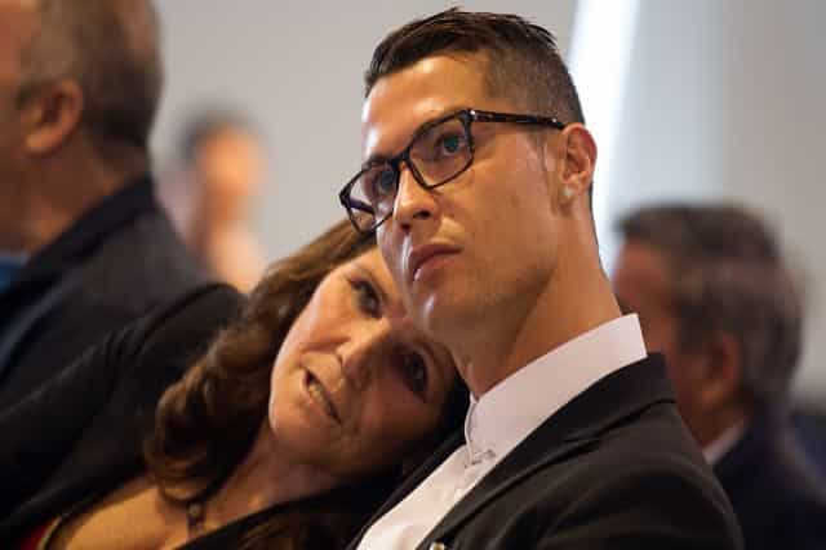Dolores Aveiro dá os parabéns a Cristiano Ronaldo