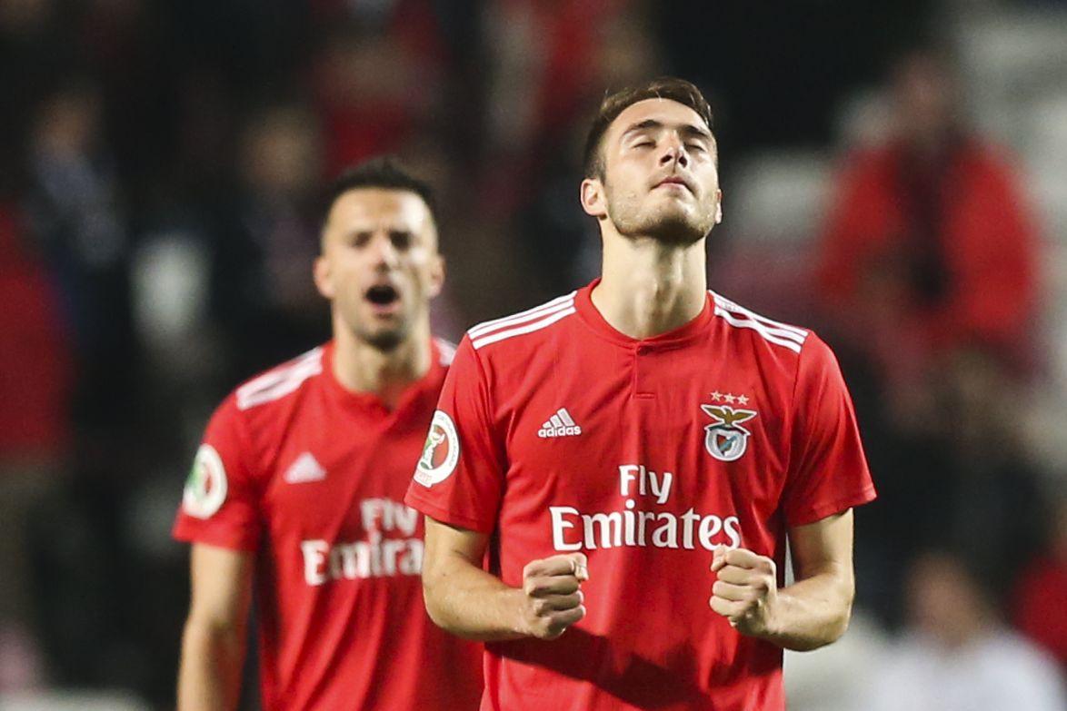 Vieira travou a saída de Ferro para dois clubes portugueses