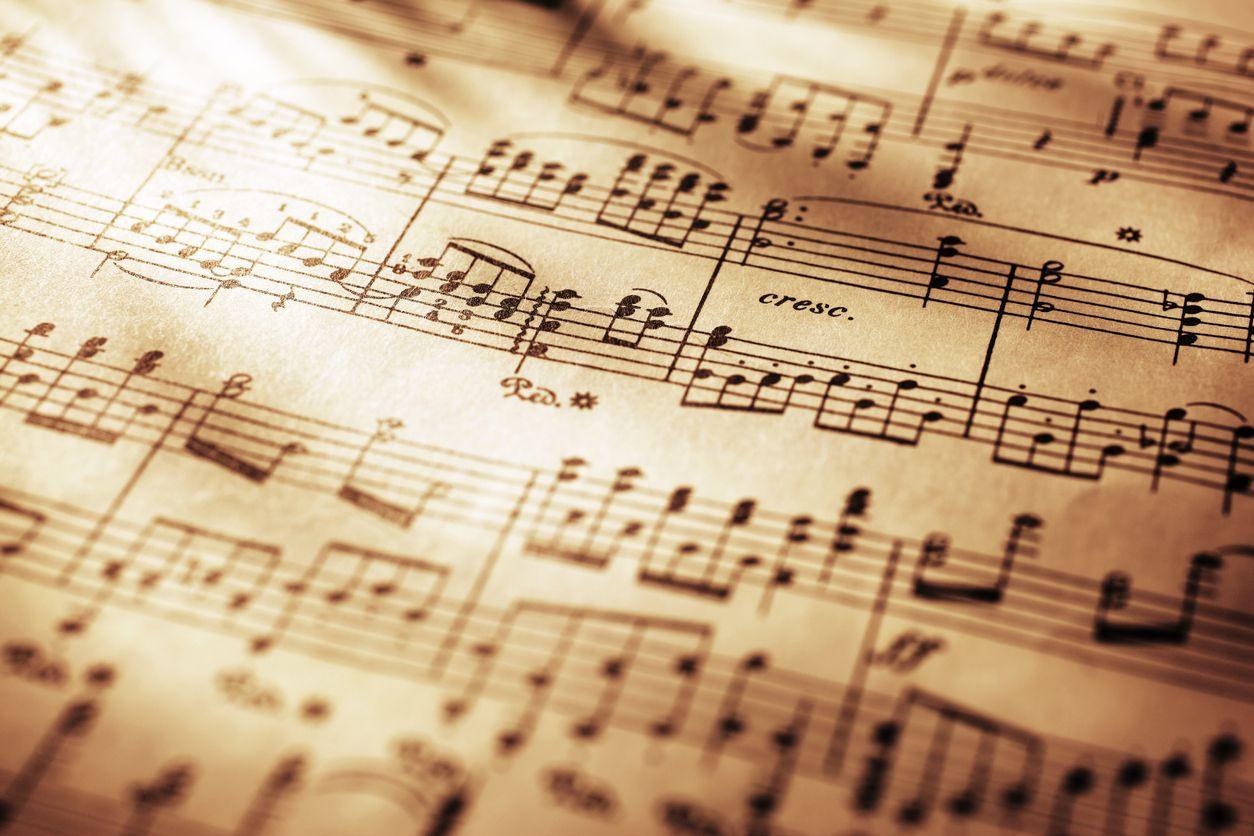 Músico desenvolve projeto de 'tradução' de partituras para músicos cegos