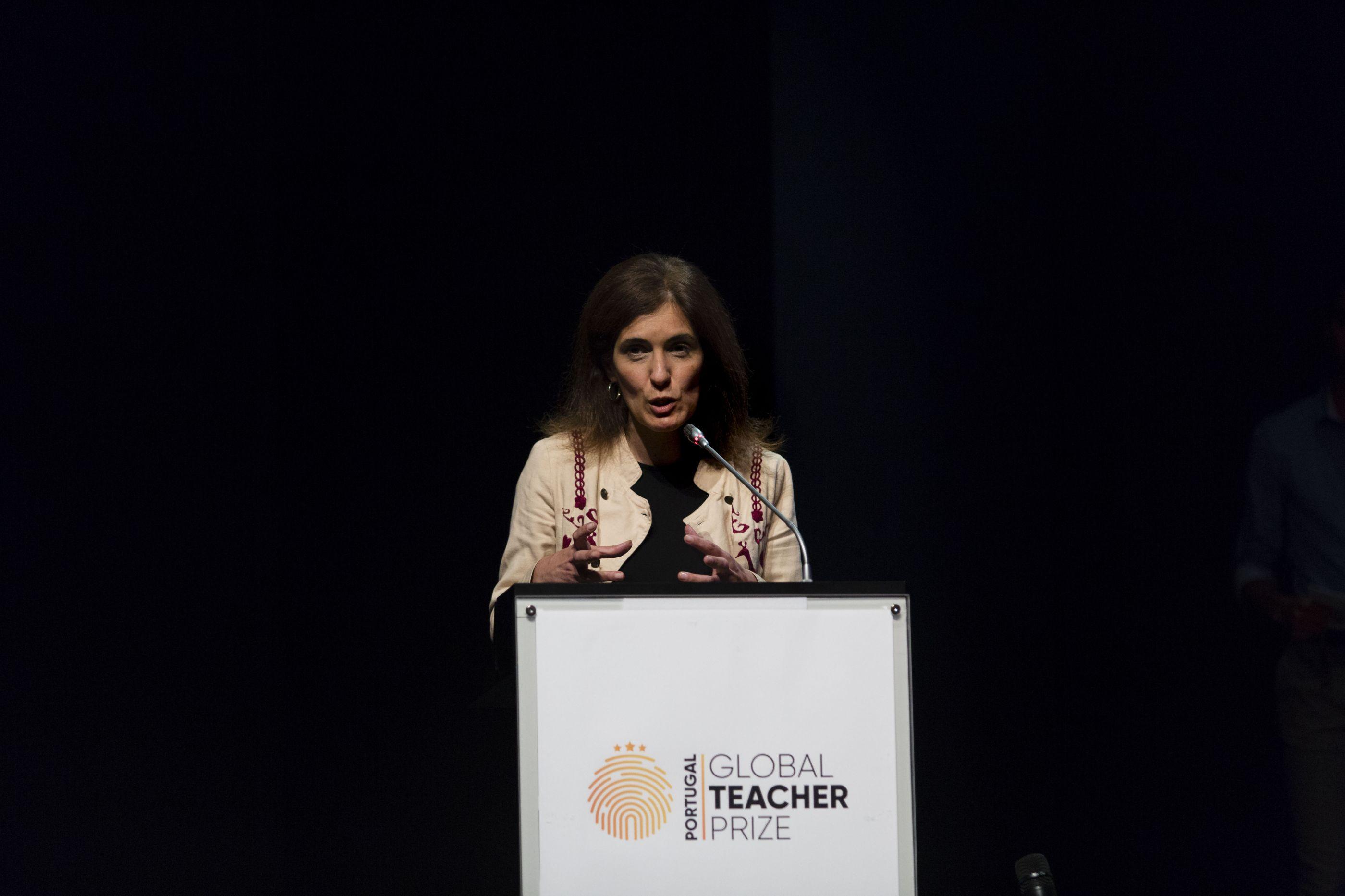 CDS propõe nova negociação de tempo de serviço dos professores em 2020