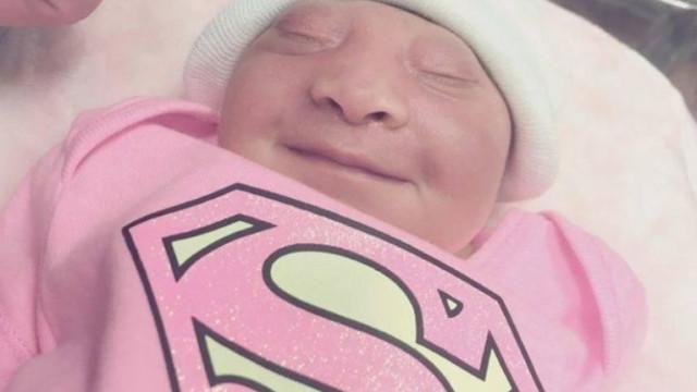 Leva gravidez até ao fim para doar órgãos de filha que sabia que morreria