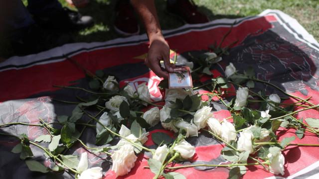 Jovens do Flamengo que morreram em incêndio tinham entre 14 e 16 anos
