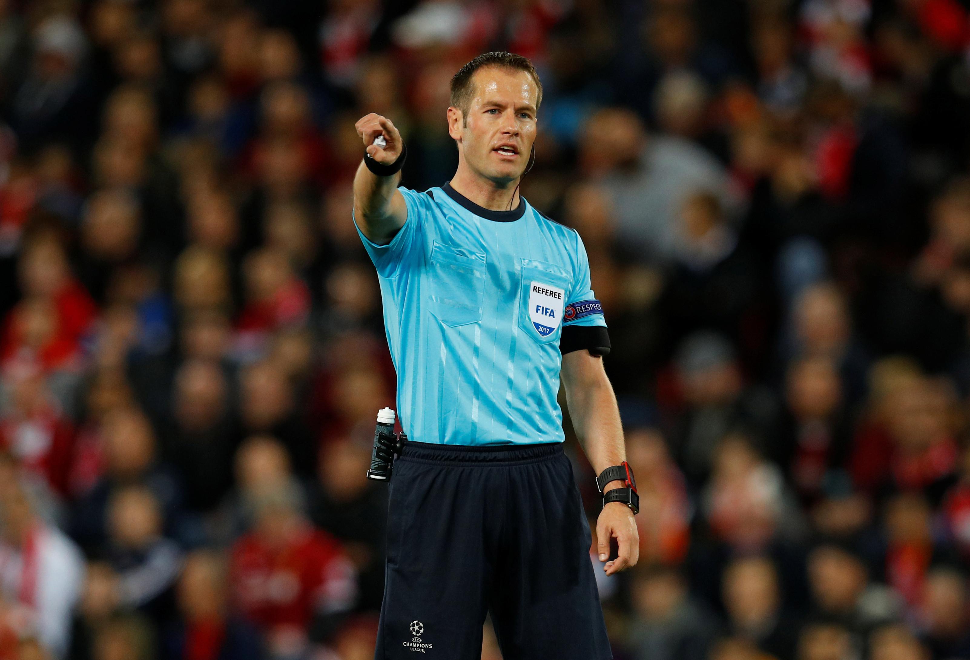 Danny Makkelie arbitra receção do FC Porto ao Liverpool