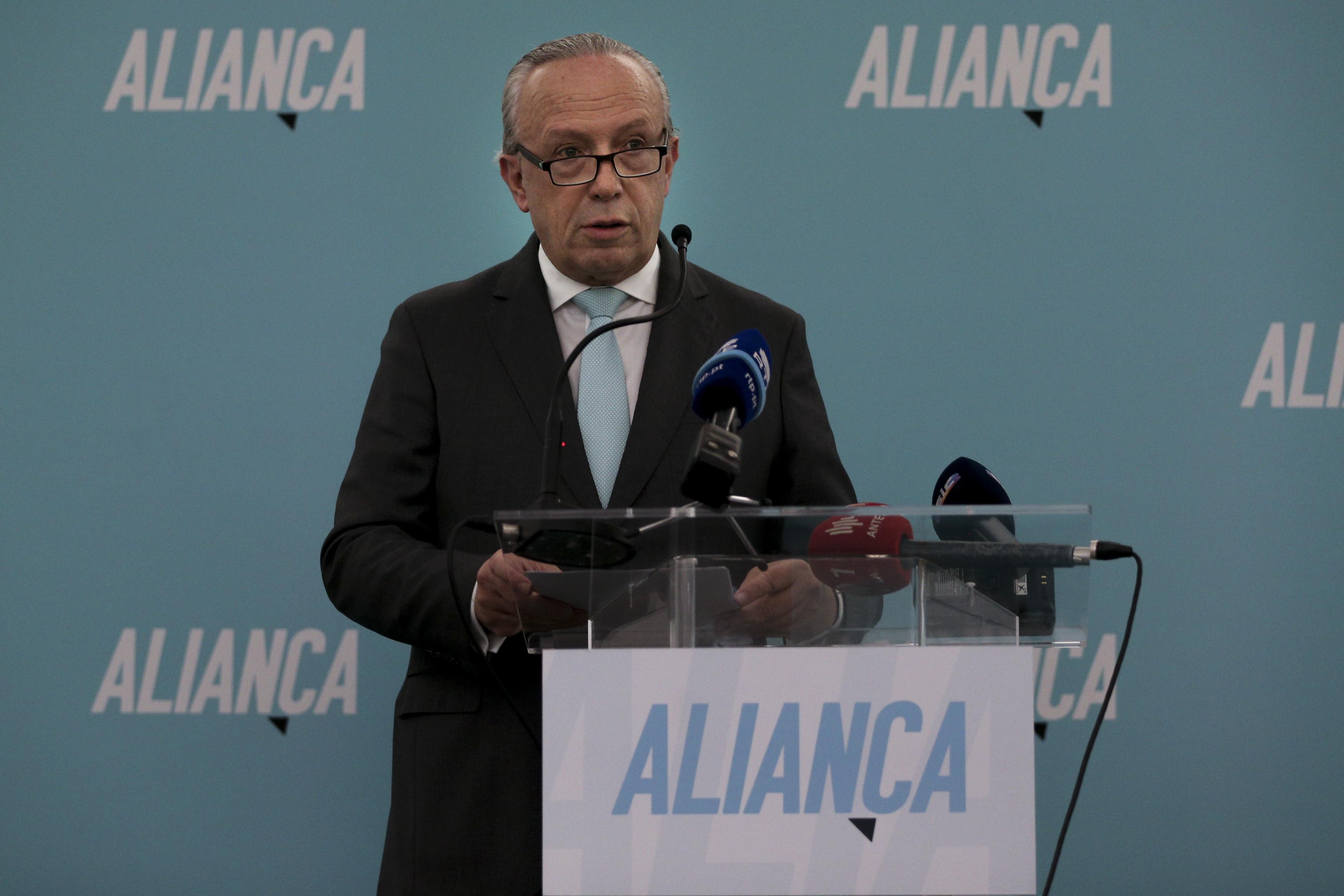 """Economia portuguesa """"não vai prosperar"""" nos próximos quatro anos"""