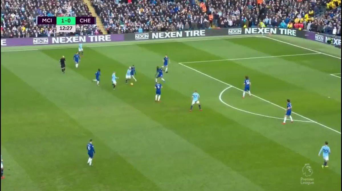 Aguero marca 'golaço' e aprofunda pesadelo do Chelsea
