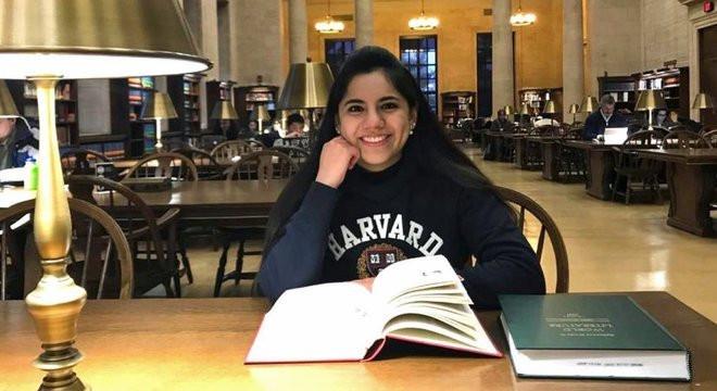 Dafne Almazán, a primeira menor a entrar em Harvard nos últimos 100 anos