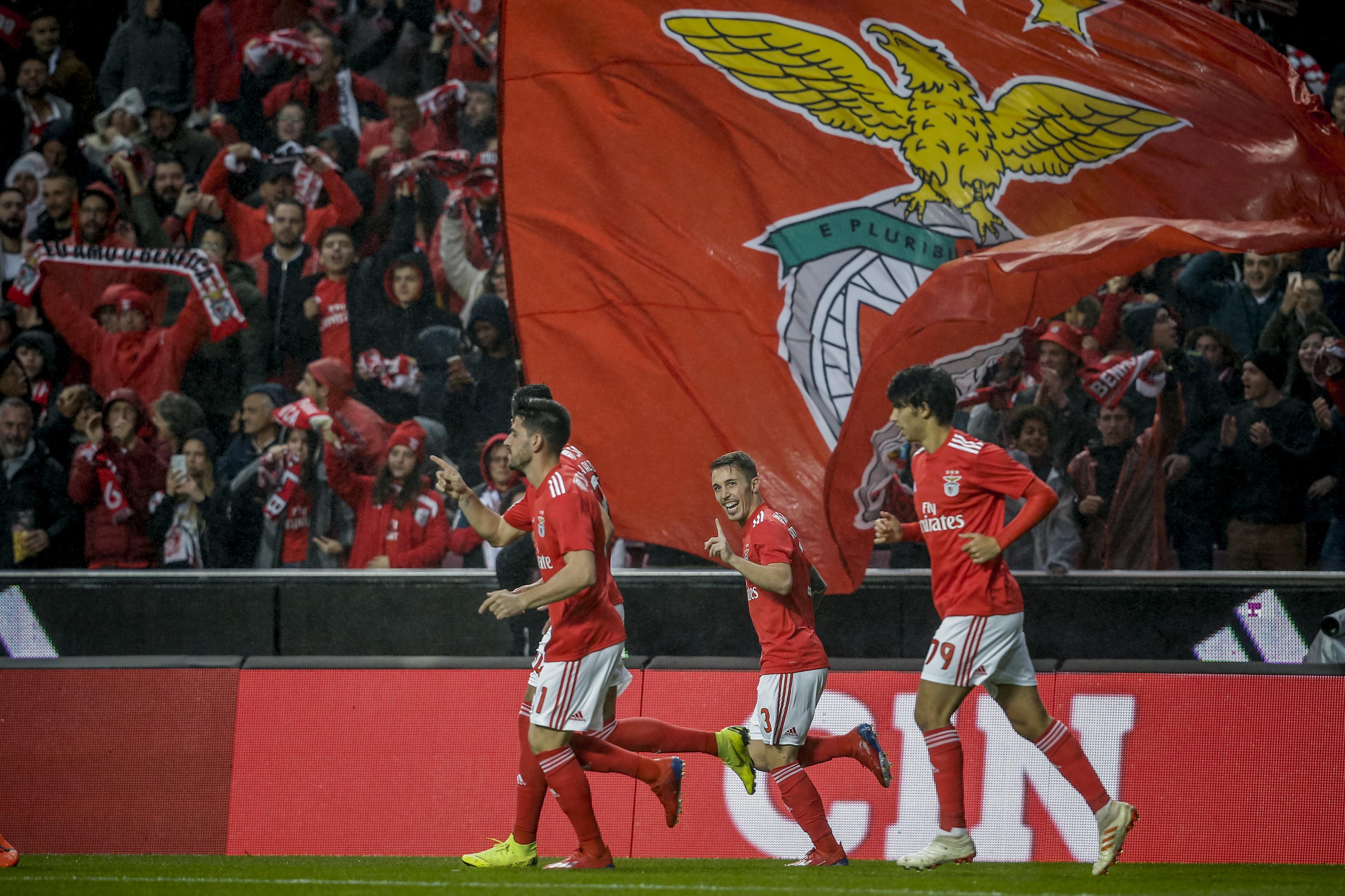 Benfica sugere controlo antidoping nos jogos de águias e dragões