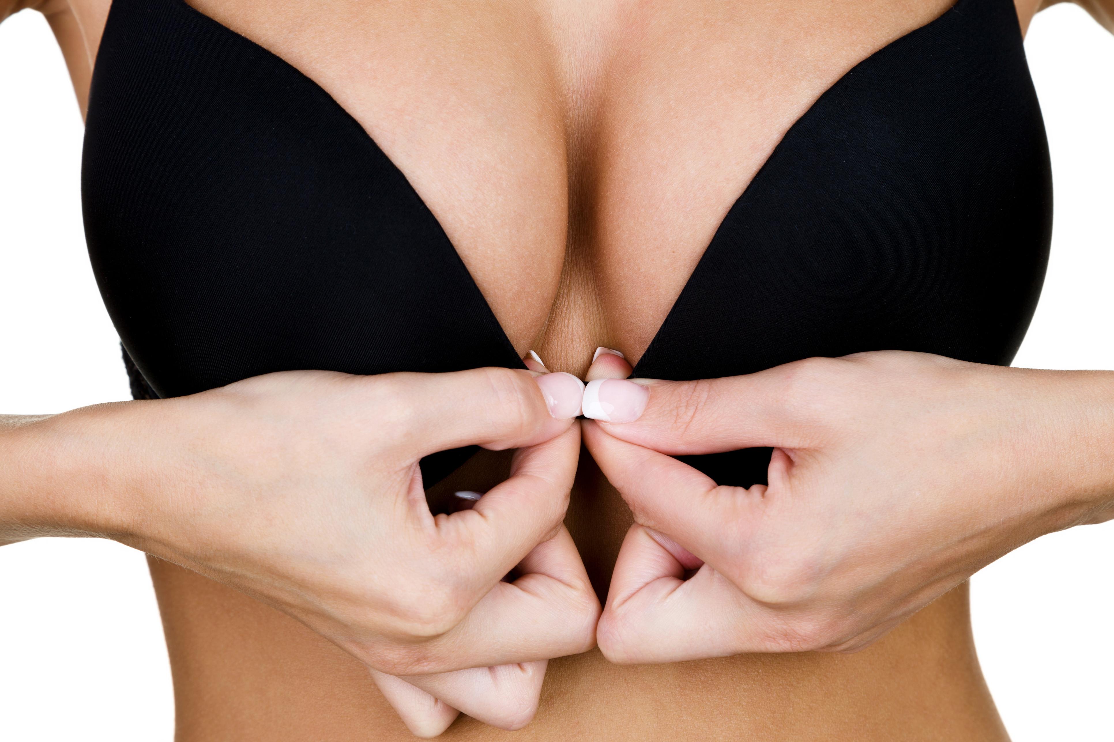 Nove mulheres morrem com cancro da mama raro devido a implantes