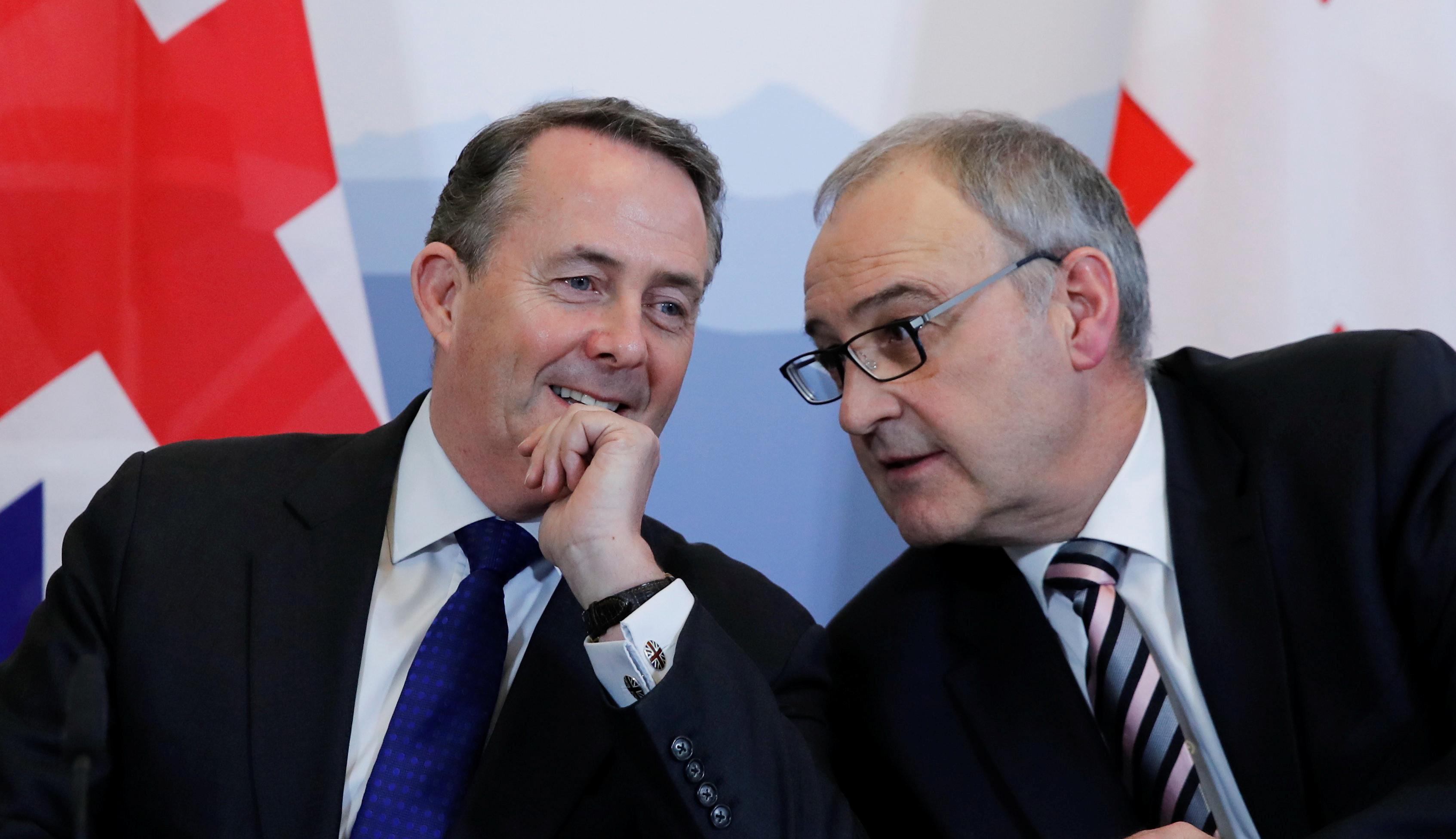 Reino Unido e Suíça assinam acordo para manter relações comerciais