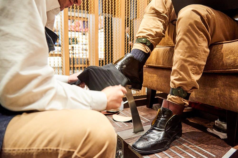 'Dê graxa' à sua cara-metade na nova engraxadoria de luxo Dr. Shoes