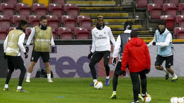 Galatasaray-Benfica: Lage lança Corchia e Florentino no onze inicial