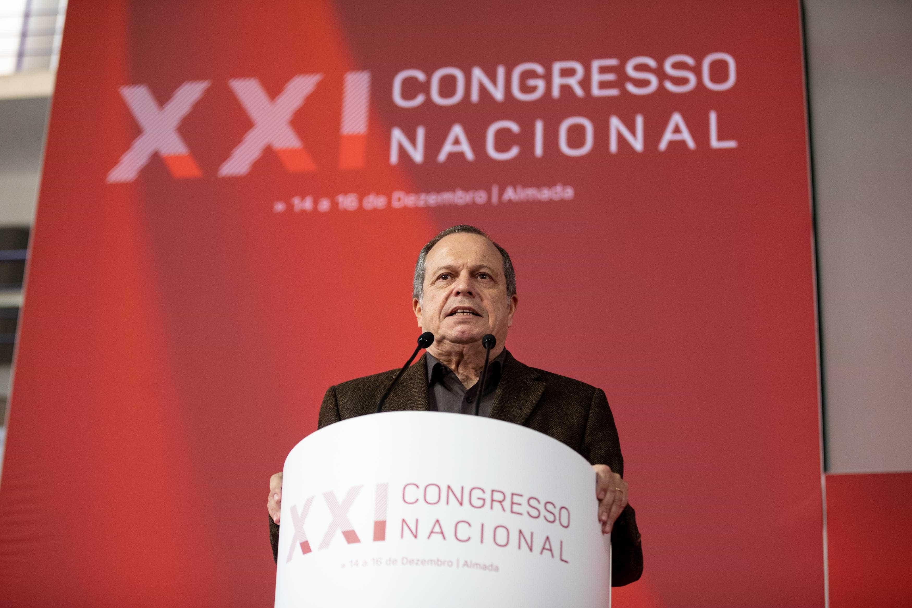 """PS acusa Bloco de ter """"abundantes relações familiares"""" na sua bancada"""