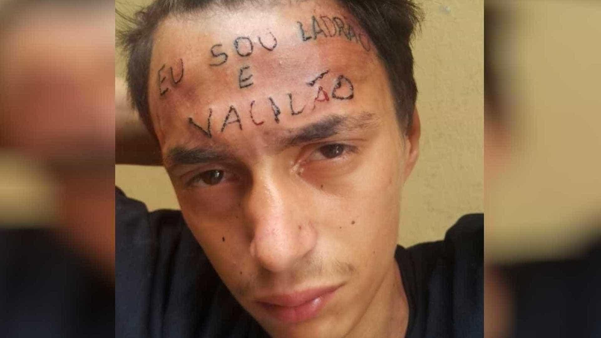 """Jovem com """"ladrão"""" tatuado na testa voltou a roubar. Polícia goza com ele"""