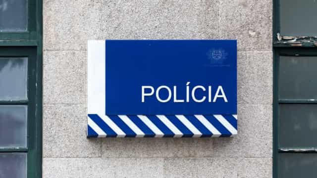 Agente da PSP condenado a prisão efetiva por tentar atropelar ex-mulher