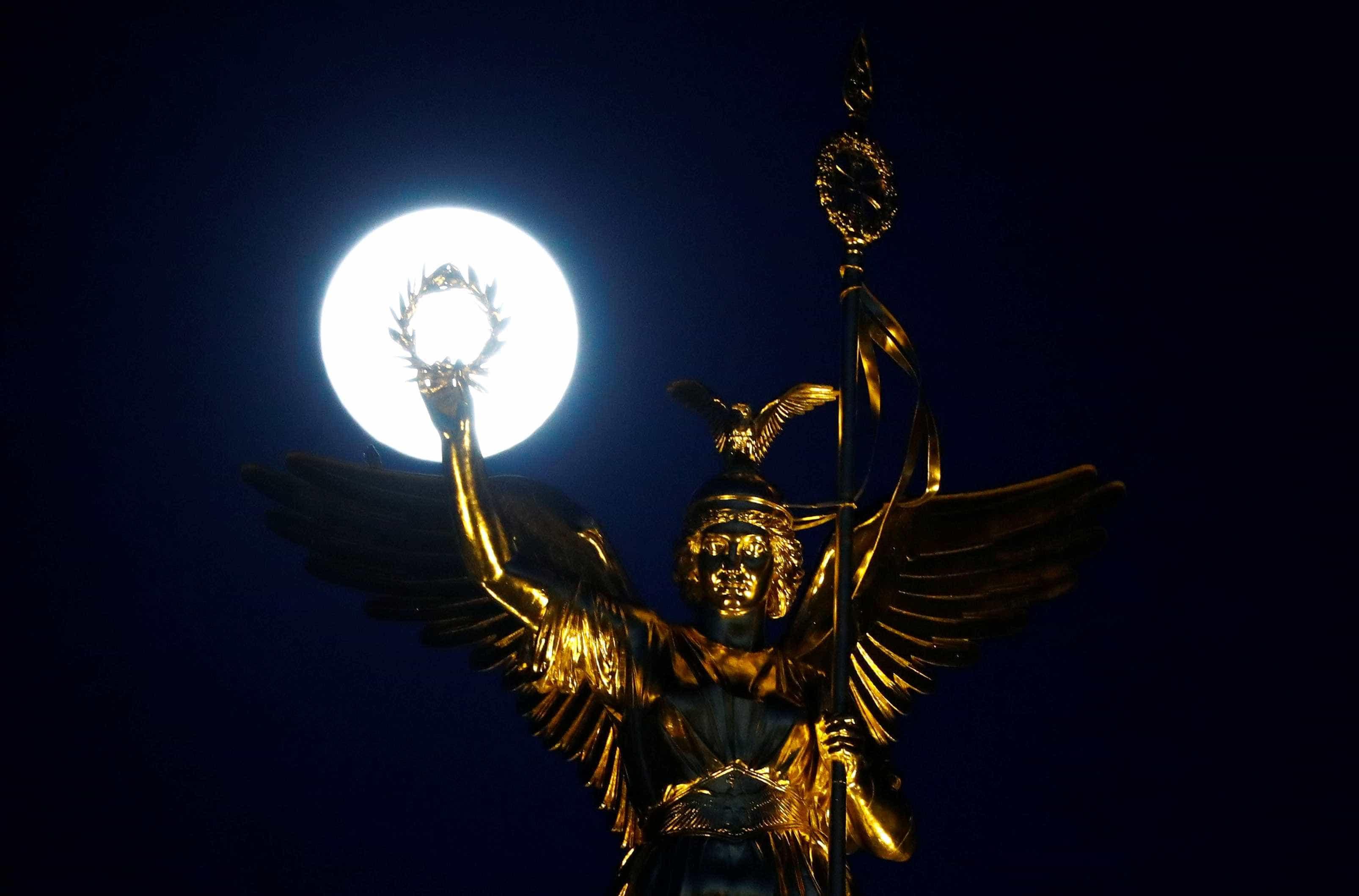 Última Super Lua do ano marca primeiro dia da primavera