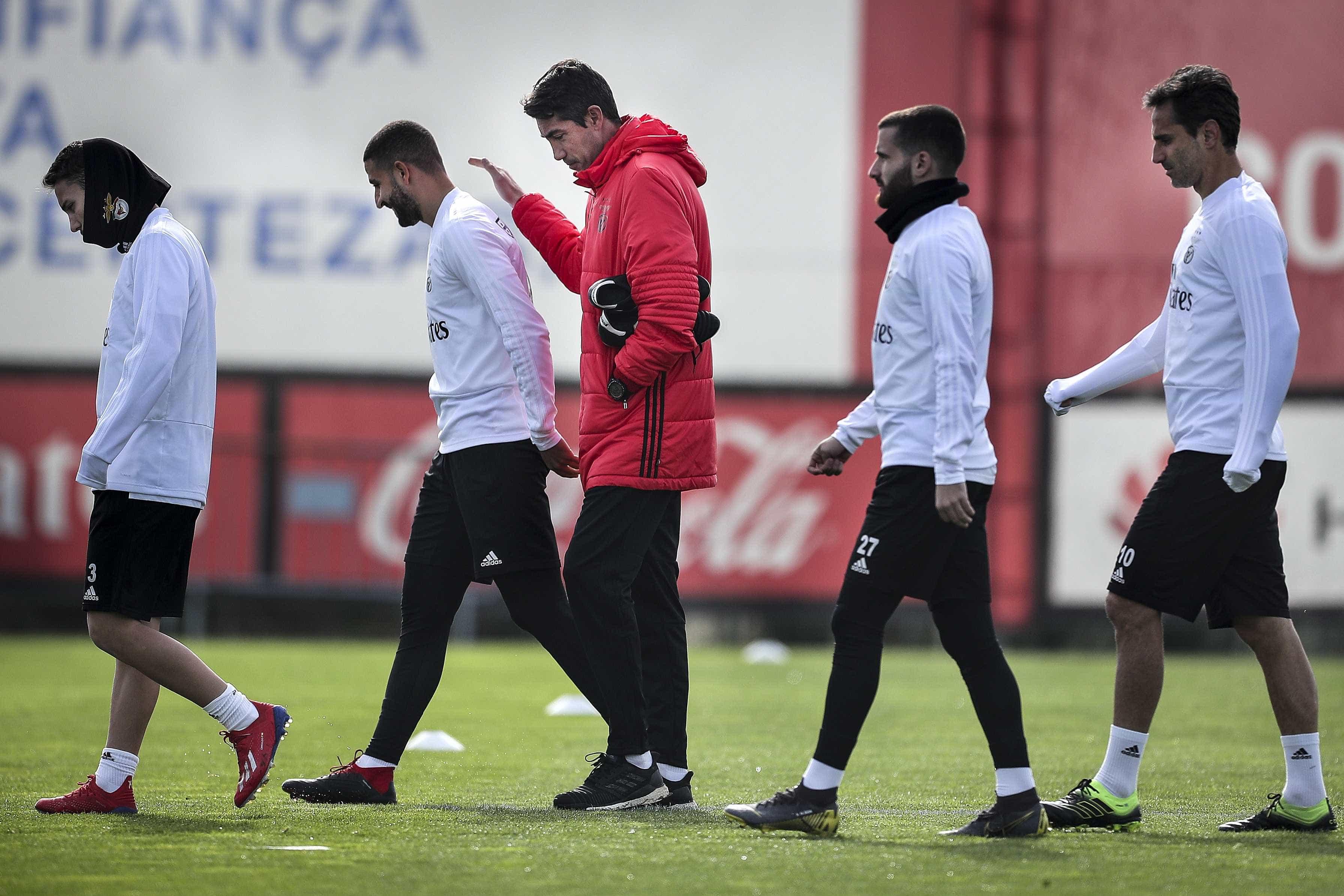 Bruno Lage volta a surpreender na lista de convocados