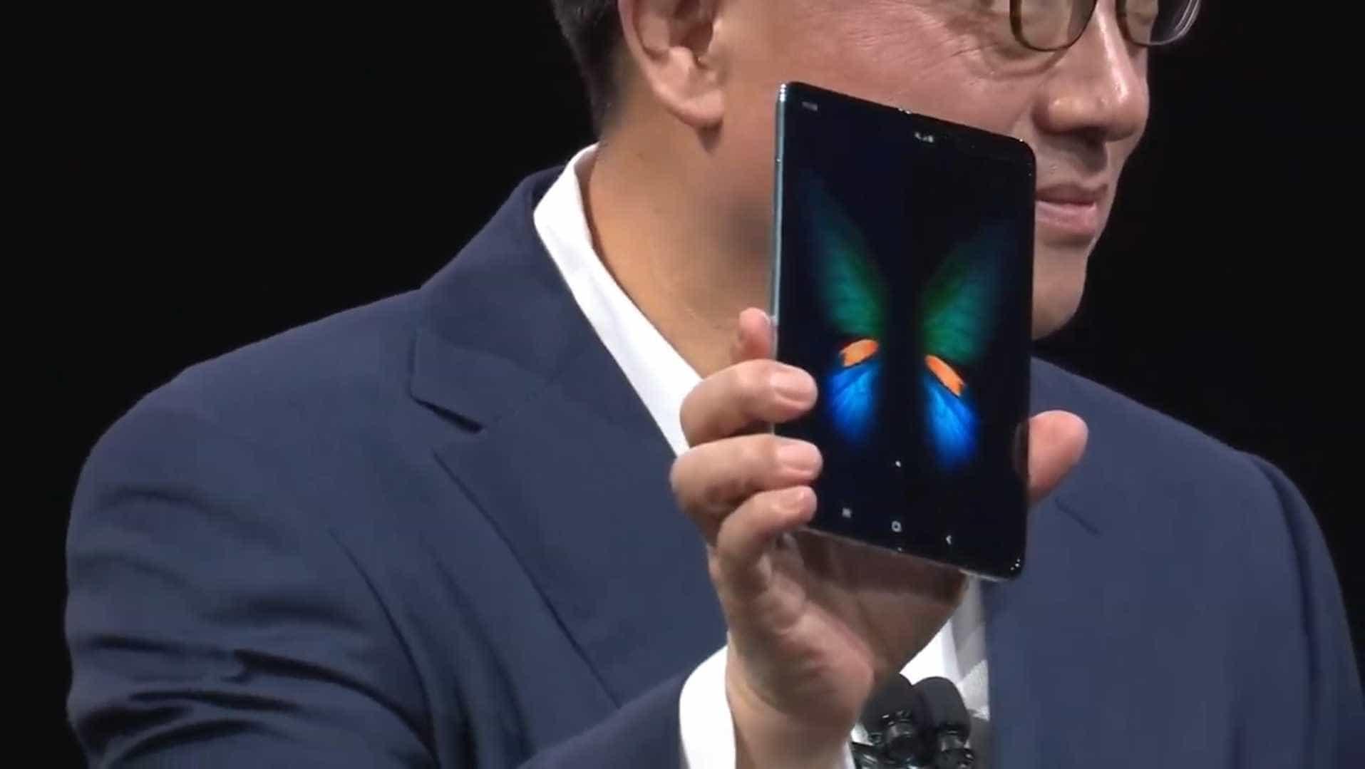 Smartphone dobrável da Samsung não será tão poderoso como era esperado