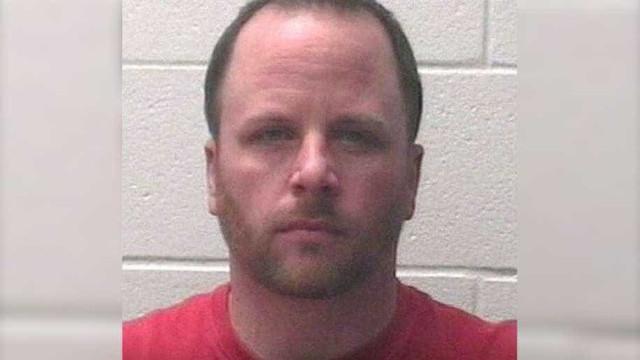 Homem detido por bofetada a criança que fazia bullying à enteada