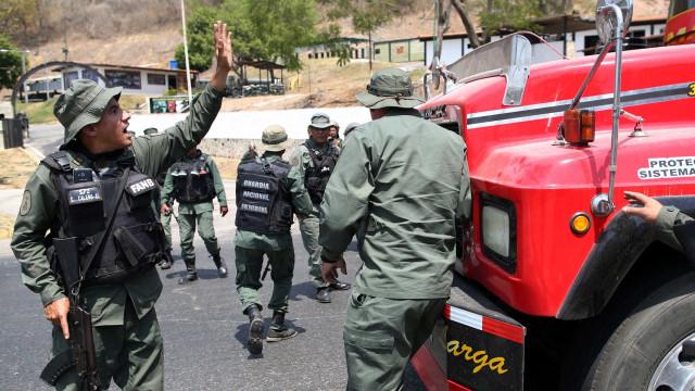 Guarda Nacional bloqueia caravana de deputados a caminho da fronteira