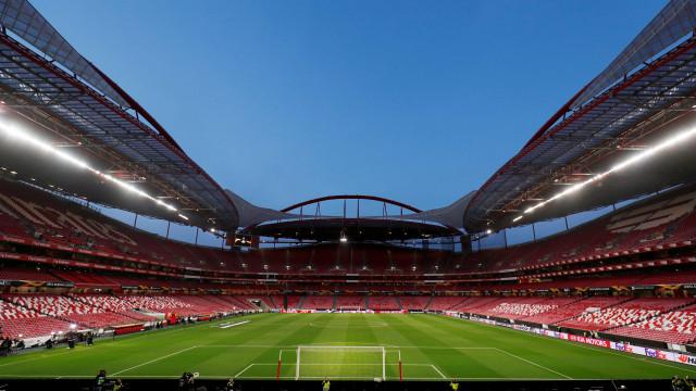 """Benfica enumera erros de arbitragem """"graves"""" em jogos do FC Porto"""