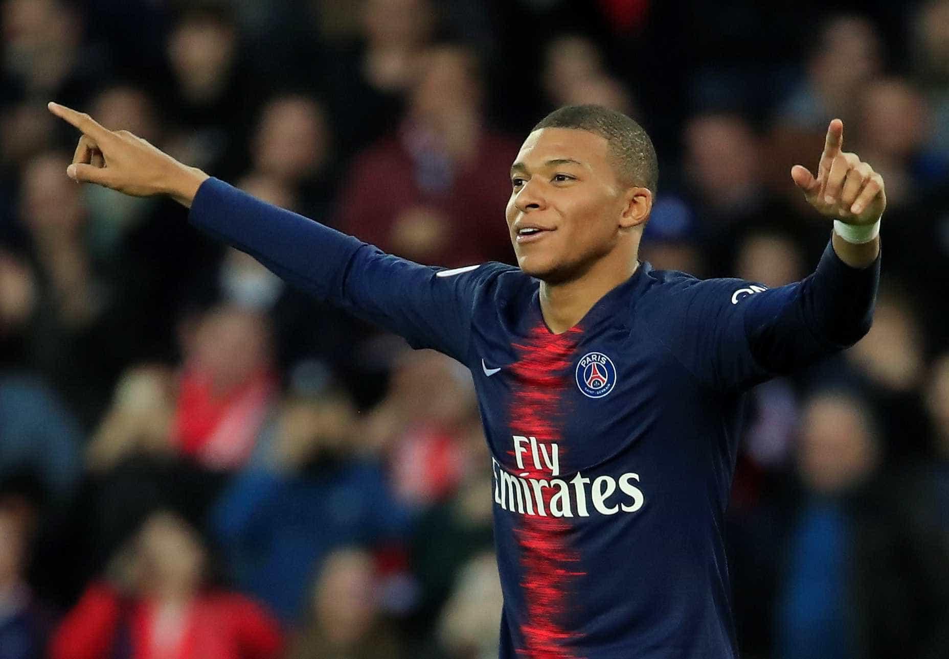 """Mourinho rendido a Mbappé: """"É o jogador mais valioso do mundo"""""""