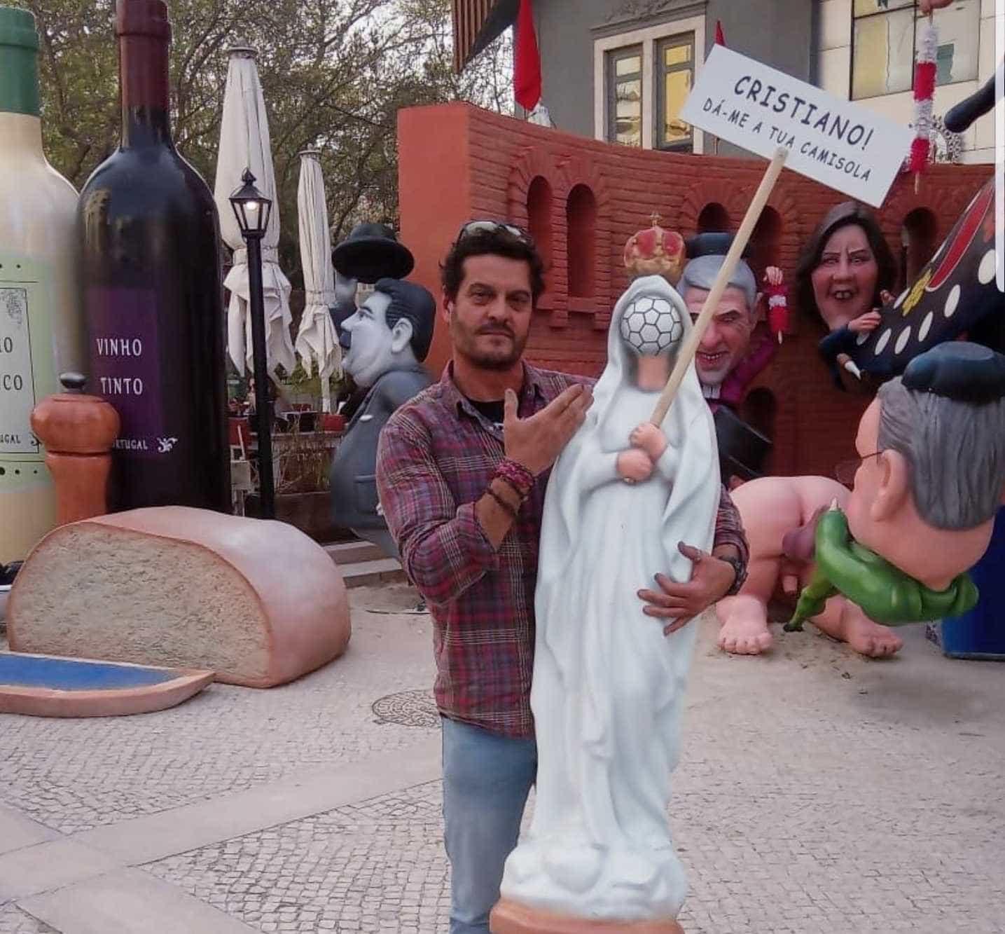 Fãs do Carnaval reagem a polémica com imagem de Nossa Senhora