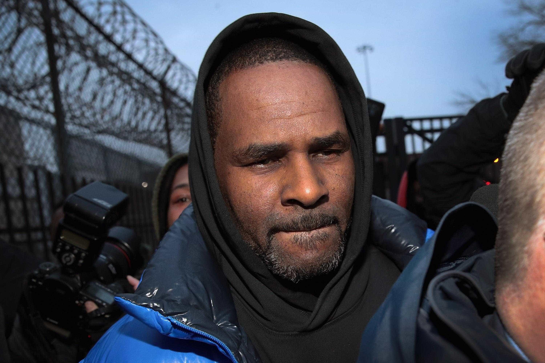 R. Kelly sai em liberdade da prisão depois de pagar a pensão de alimentos