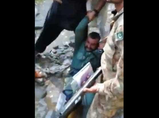 Reveladas imagens de agressões a piloto indiano detido no Paquistão