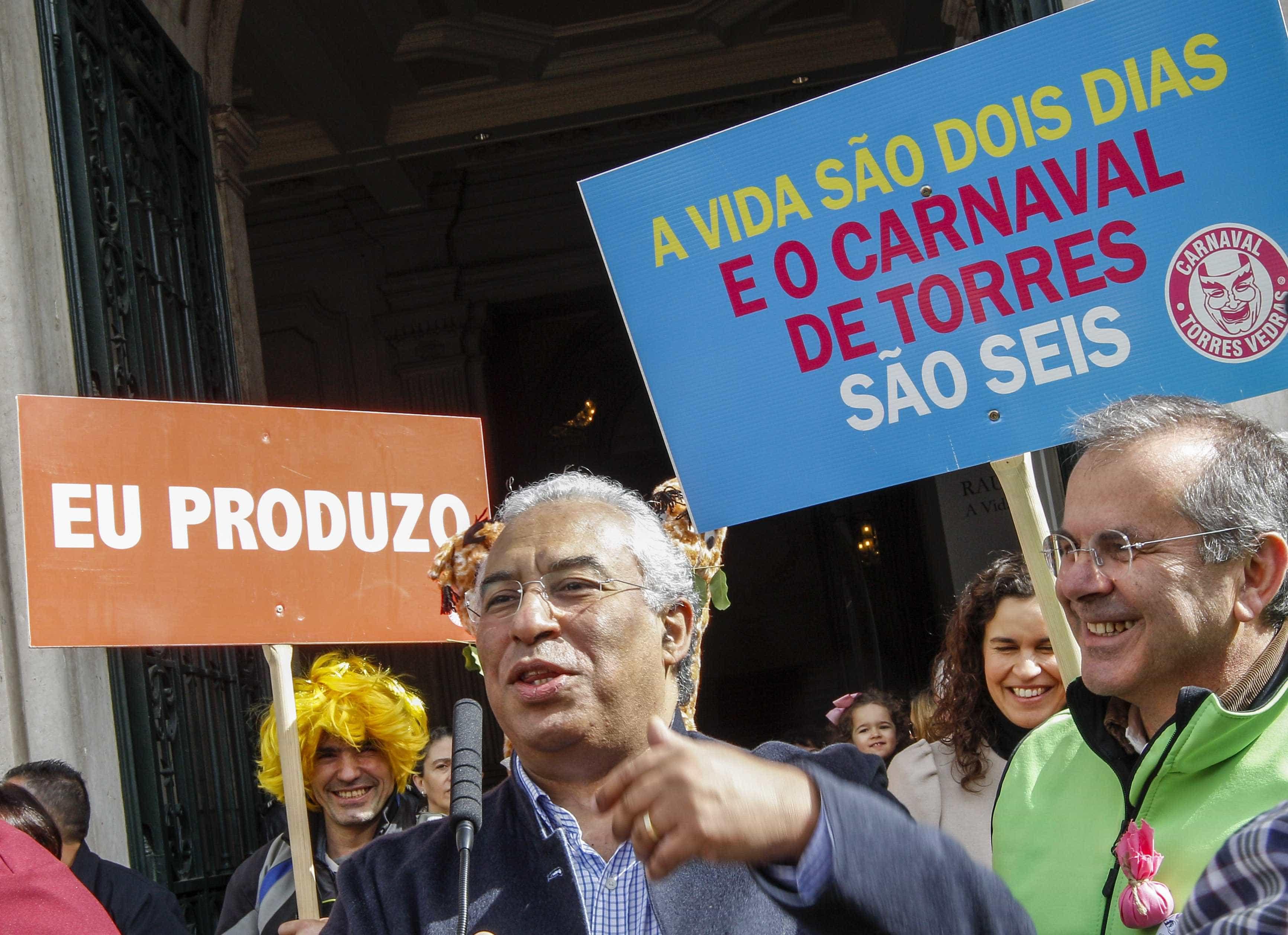 """Carnaval """"é um momento de alegria e de sátira política"""", lembra Costa"""