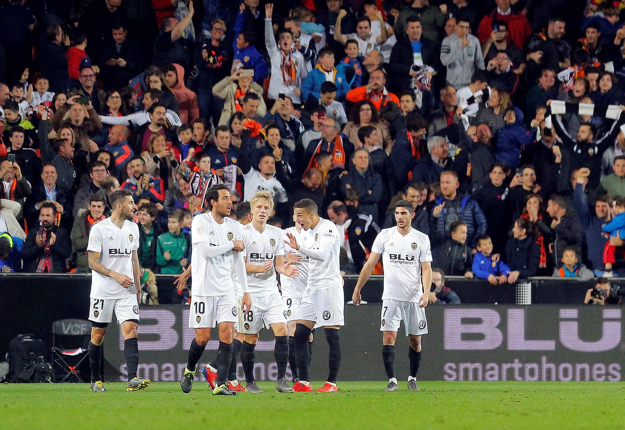 Betis cai no Mestalla. Valencia está na final com o Barcelona
