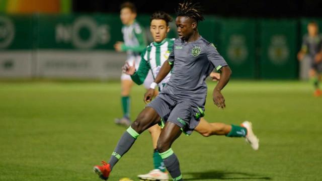 Keizer chama jogador de 16 anos ao treino do Sporting