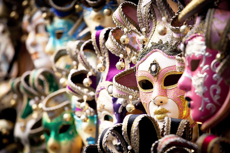 Conheça o top 10 dos destinos mais divertidos e pontuais para o Carnaval