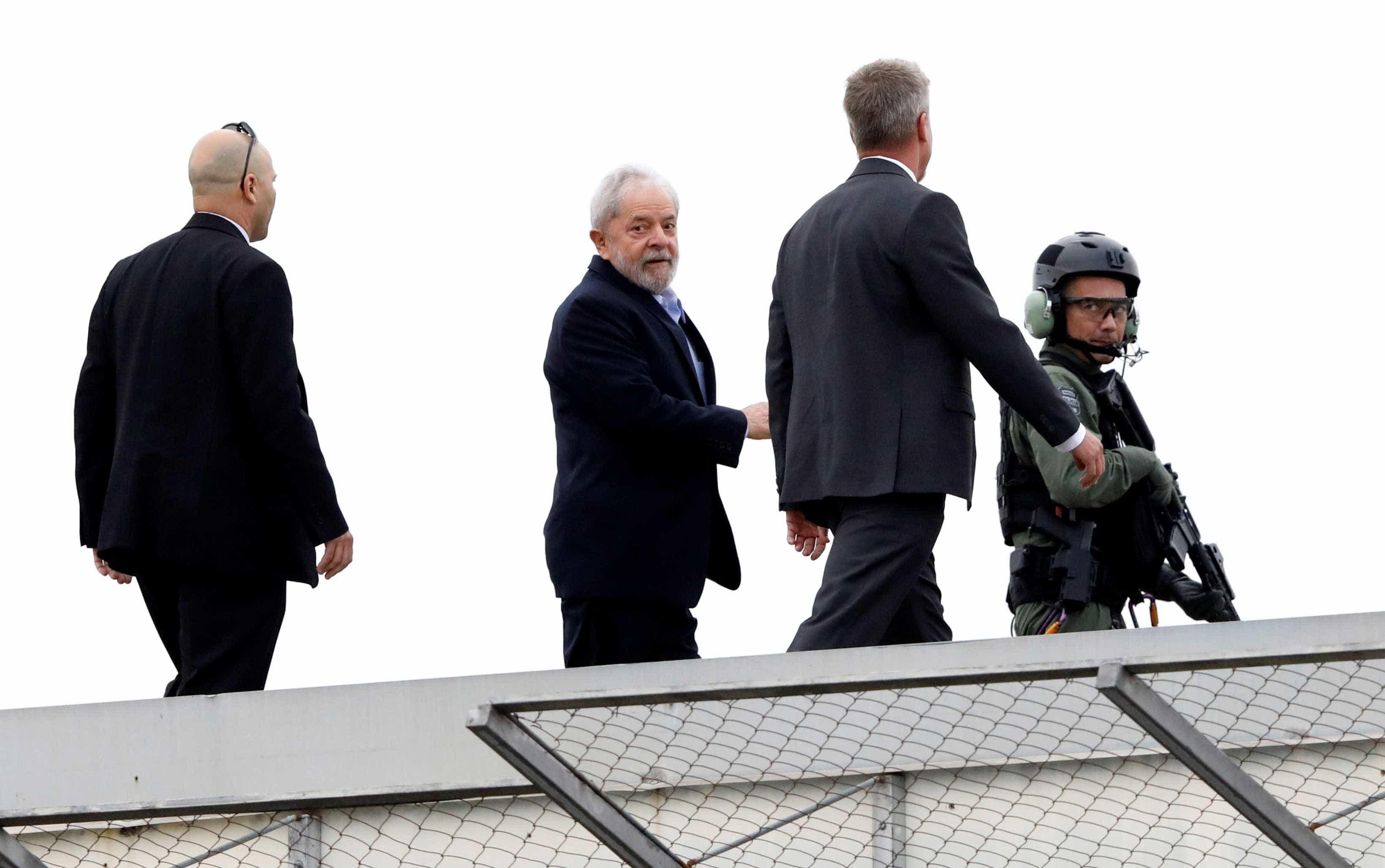 Lula saiu da prisão e encaminha-se para funeral do neto de sete anos